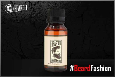 The goodness of lime in Beard Oil enriches facial hair.
